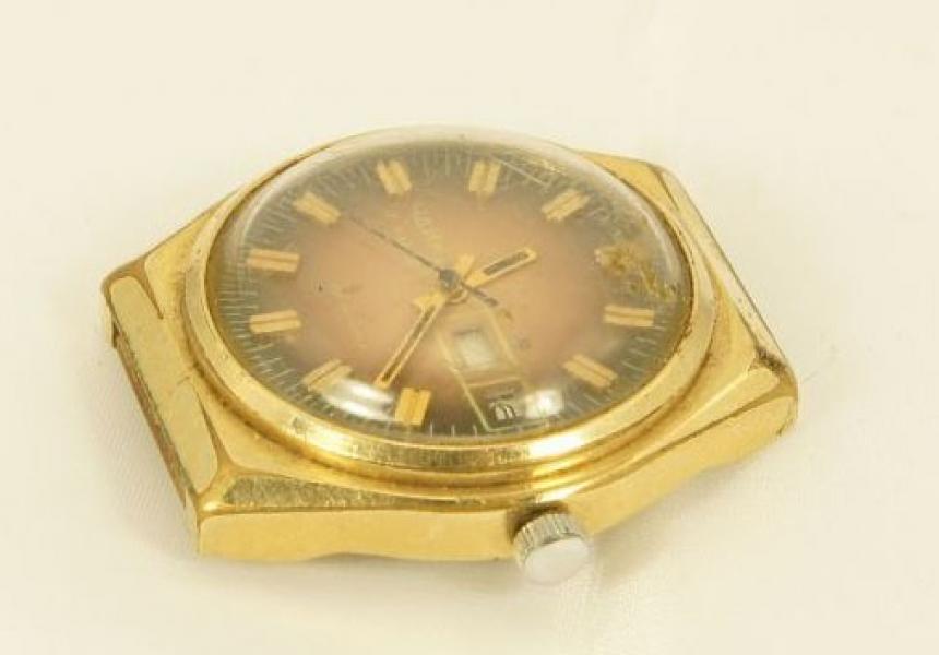 Продать желтом корпуса корпусе в часов в продать ломбард серебро